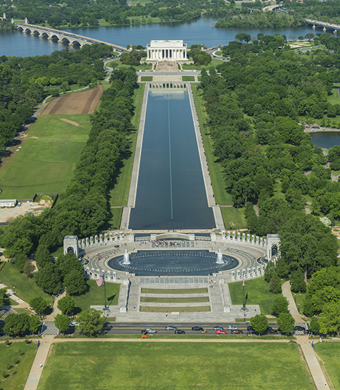 World War II Memorial, Reflecting Pool, and Lincoln Memorial