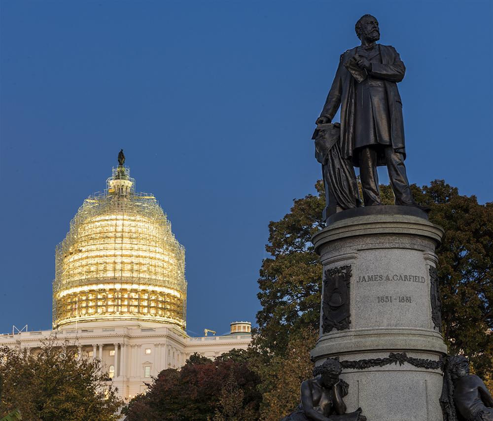 Capitol Building Scaffolding : World war ii memorial photographybykent