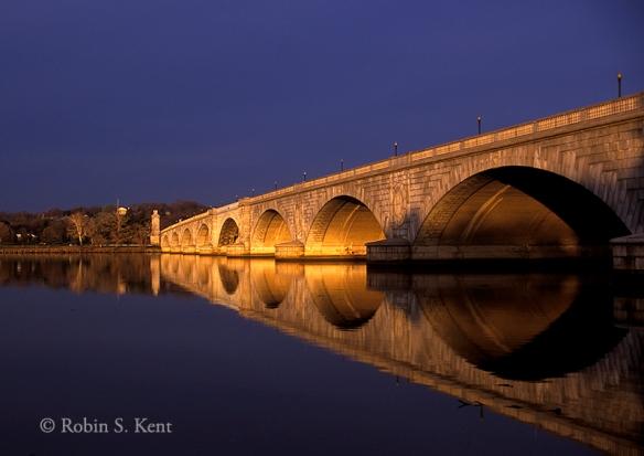 Memorial Bridge 01
