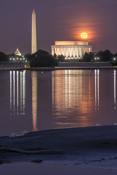 Lincoln-Moonrise-D-16-03-23-3932