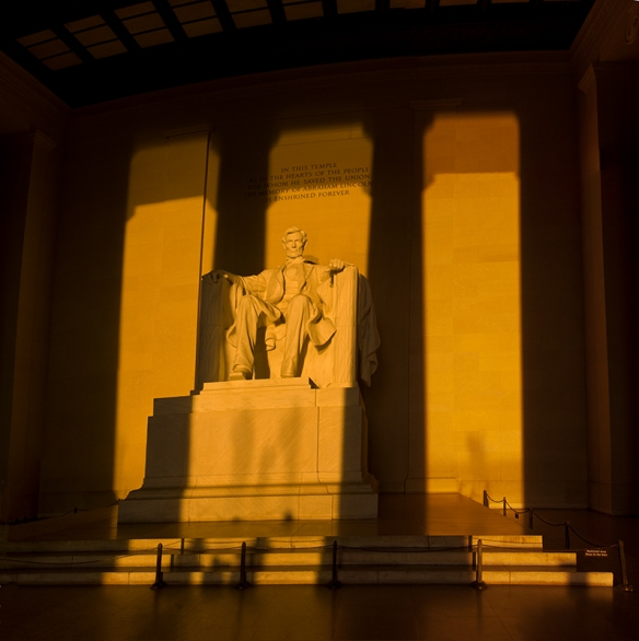 lincoln-memorial-06-sunrise-on-statue