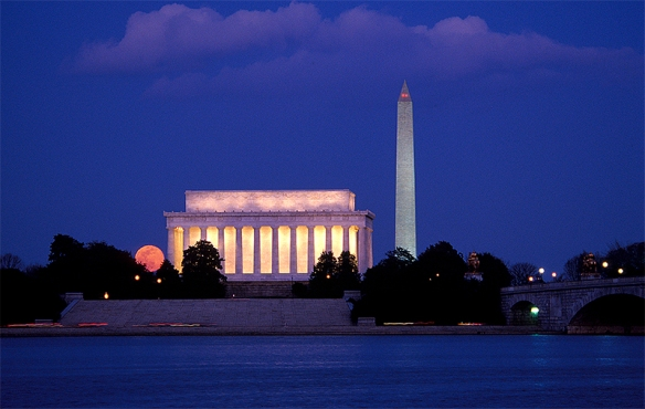 lincoln-memorial-07-moonrise